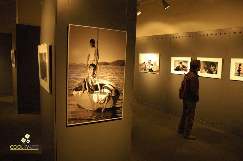 imagen - iguales a la par - Santiago Barreiro - CDF Montevideo - Octubre 2009 © Federico Meneses