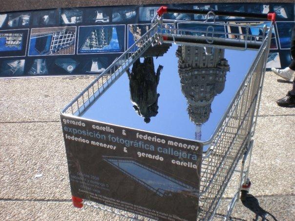 un carrito al cielo - rizzo & meneses & carella Fotográfica en explanada del teatro solís sábado 4 de octubre de 2008 día del patrimonio