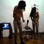 LAS ROPAS NUEVAS DEL EMPERADOR DE ERNESTO RIZZO – Performance – Valeria Píriz & Martín Barea