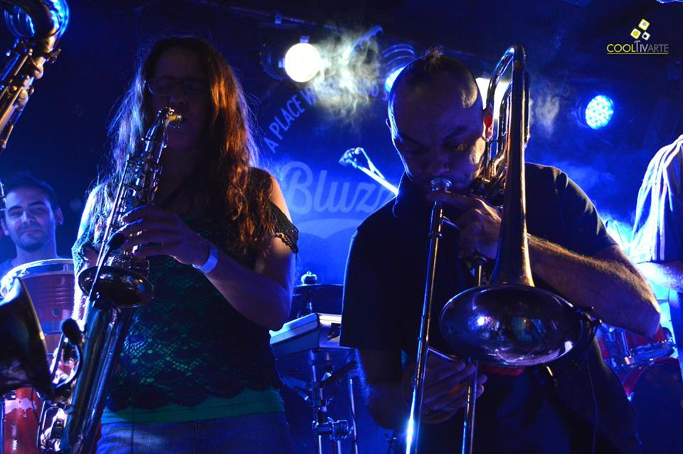 ABUELA COCA en 2 Capitulos en Bluzz Live Montevideo - Mayo 2014 © Mari Rodríguez