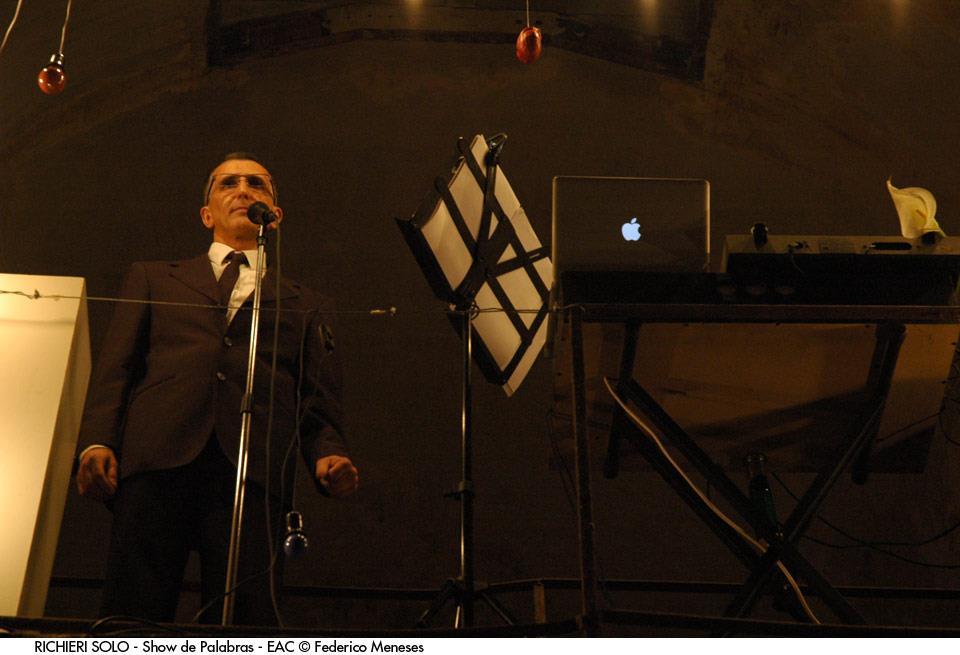 imagen - RICHIERI SOLO - Show de Palabras - EAC Noviembre 2012 © Federico Meneses