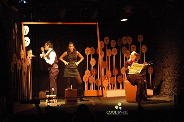 """imagen - El grupo Japonesita Teatro con la obra """"Lo que los otros tienen"""", con autoría y dirección de Jimena Márquez Octubre 2010 © Federico Meneses"""