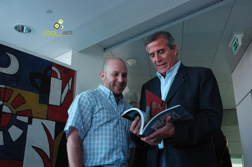 """imagen - Presentación del libro Más Cerca del Cielo del fotógrafo Marcelo """"Pájaro"""" Singer - Diciembre 2010 © Federico Meneses"""