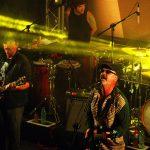 Sintiendo y brillando. 25 años de Las Pelotas en Montevideo Music Box