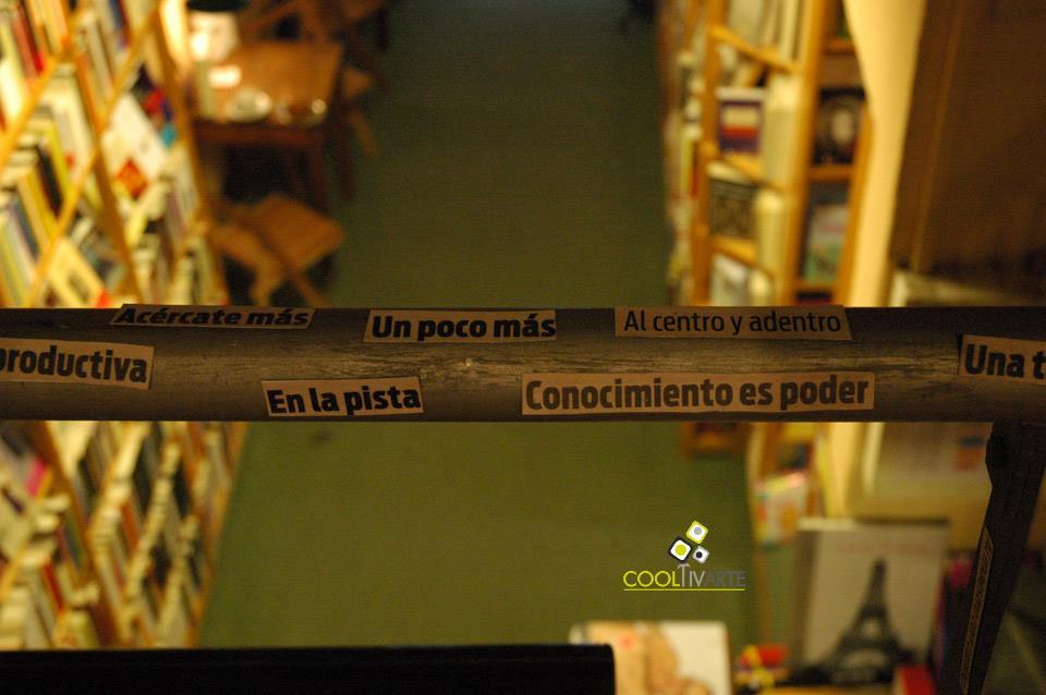 imagen - Colectivo Ikusi Arte expone en La Lupa Libros. Marzo 2011 © Federico Meneses
