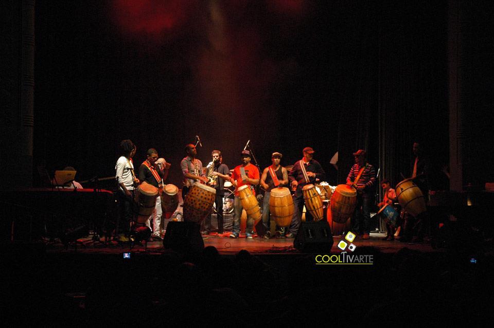 imagen - Festival de percusión popular de montevideo - Fiesta del tambor - Sala Zitarrosa - Mayo 2013 © Federico Meneses