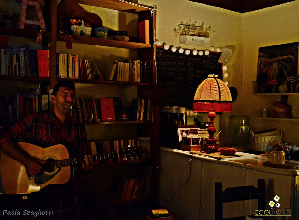 imagen - Javier Vázquez en Lalá Café- Mayo 2015 Foto: Paola Scagliotti