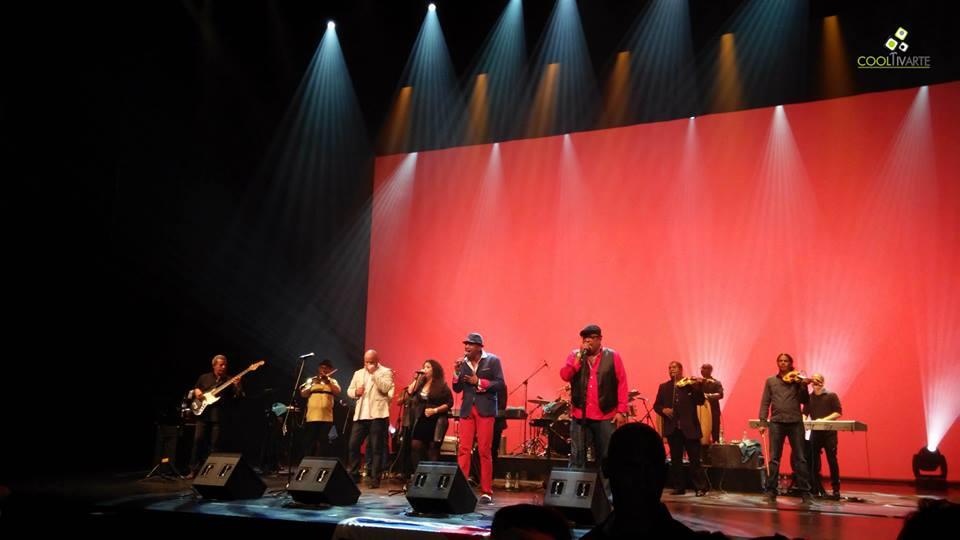 imagen - Que Viva Cuba ! Que vivan Los Van Van ! Auditorio Nacional del Sodre 5 de Mayo 2015 Foto del celular © Alejandro Hoffmann
