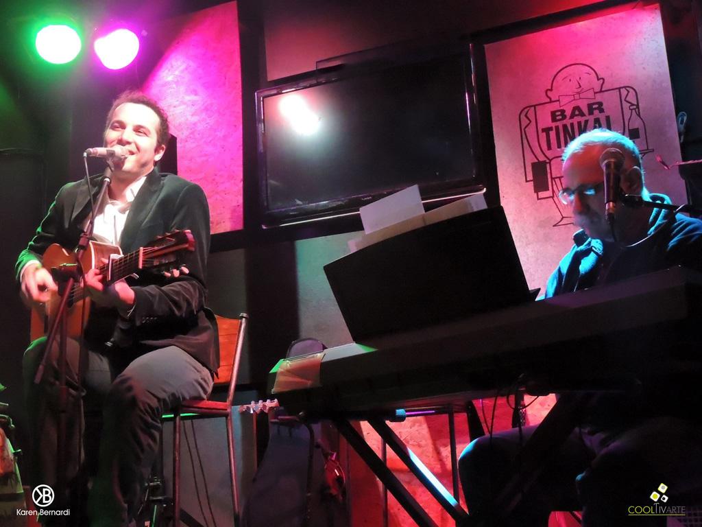 Damián Gularte y Leo Maslíah en Tinkal Bar. Jueves 15 de Setiembre de 2016. Fotografía: Karen Bernardi