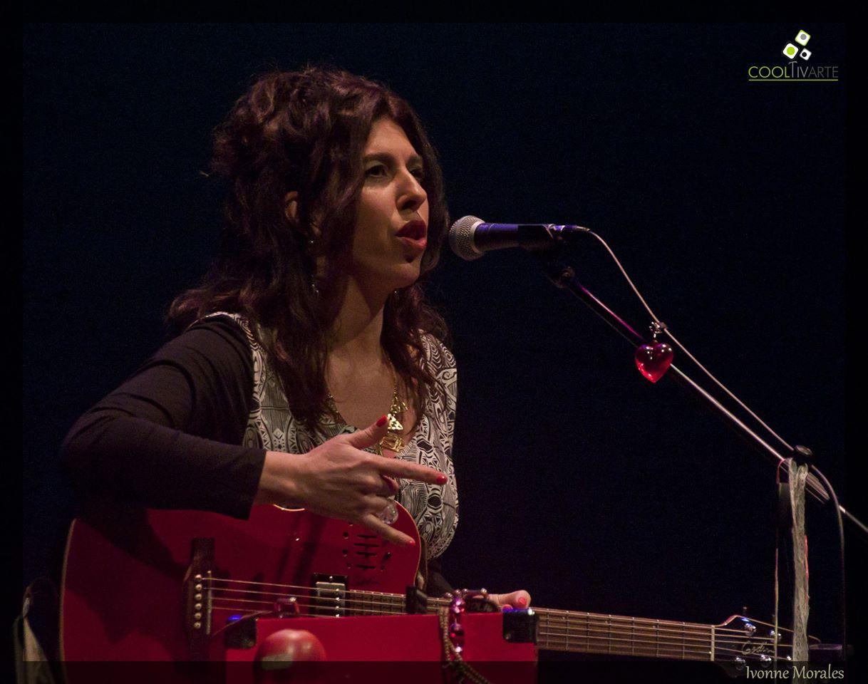 Festejo por los 30 años de Rossana Taddei en su recorrido por la música y con la música. Teatro Solís - 22 de Agosto 2015 - Foto © Ivonne Morales