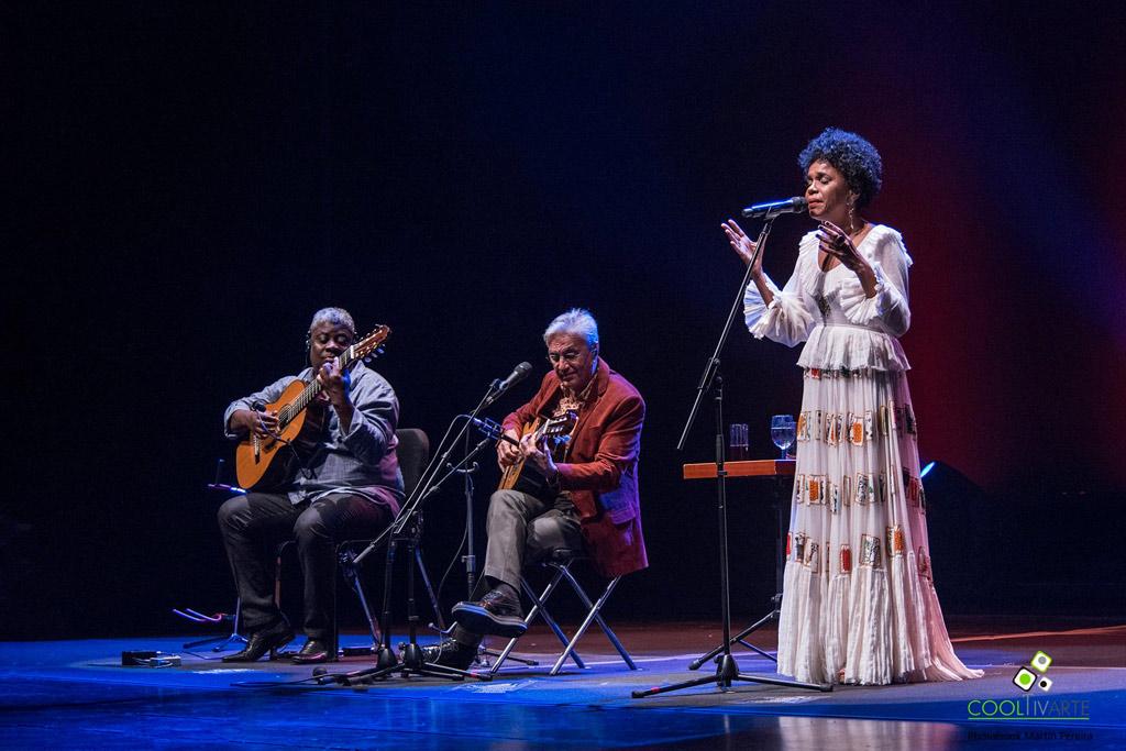 Caetano-Veloso-presenta-Teresa-Cristina---7-de-Marzo-2017---Auditorio-Nacional-del-Sodre-foto-martin-pereira