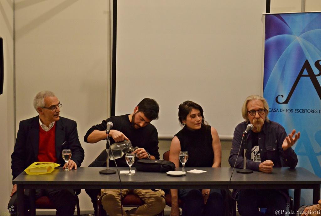 Editorial Yaugurú en la Feria del libro - fot paola scagliotti