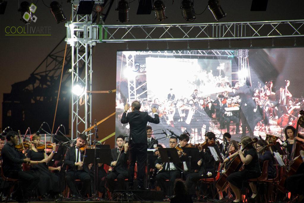 Orquesta Juvenil del Sodre en el puerto de la ciudad de Salto - Diciembre 2017 - Foto © Mayra Cánepa