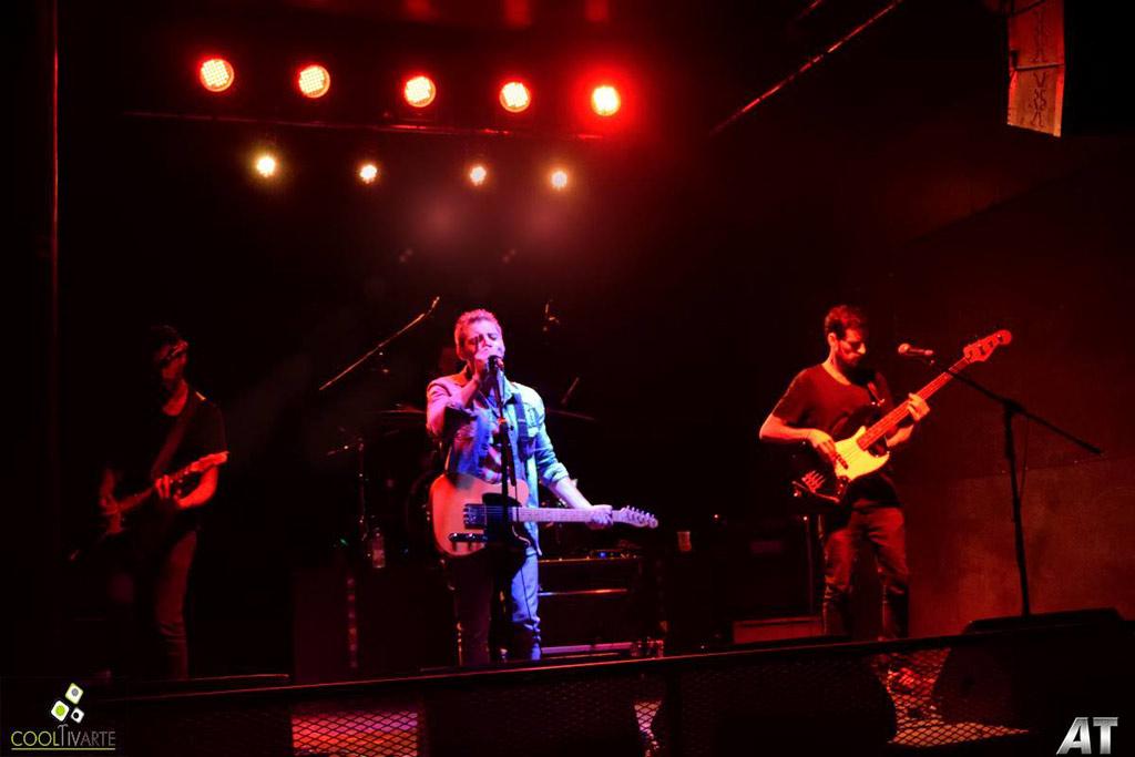Crysler Banda presentó su disco AGUJAS EN LA PIEL - BJ Sala - Marzo 2018 - Bandas Heras, Mendigo y Ufa - Foto © Hector AT www.cooltivarte.com --