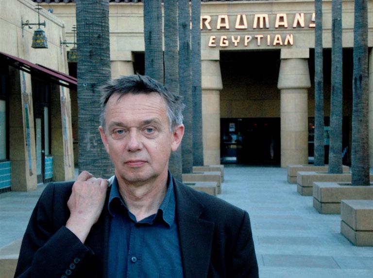 En el marco de hermanamiento Berlín- Buenos Aires el realizador berlinés Heinz Emigholz presentará tres películas. En un encuentro con el público el realizador argentino Jonathan Perel será el encargado de dialogar con Heinz Emigholz