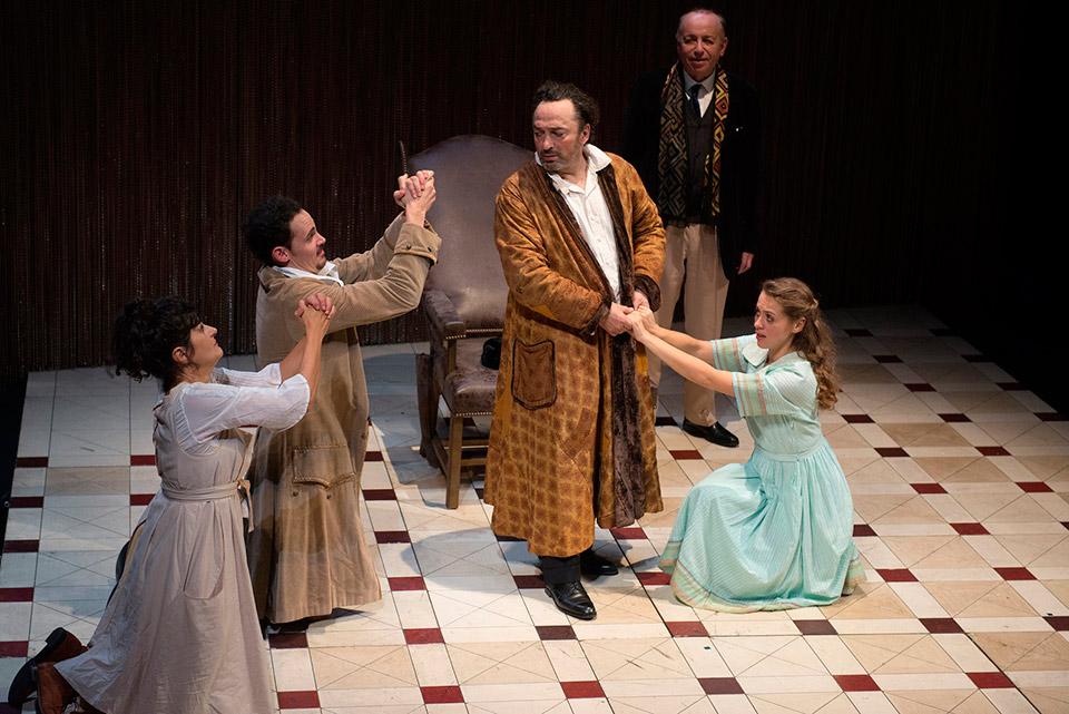 """""""El enfermo imaginario"""", la última y genial pieza de Molière, dirigida por Michel Didym, se presenta en el marco de la Temporada Internacional dedicada a Franciaen la Sala Martín Coronado del Teatro San Martín (Avda. Corrientes 1530)."""