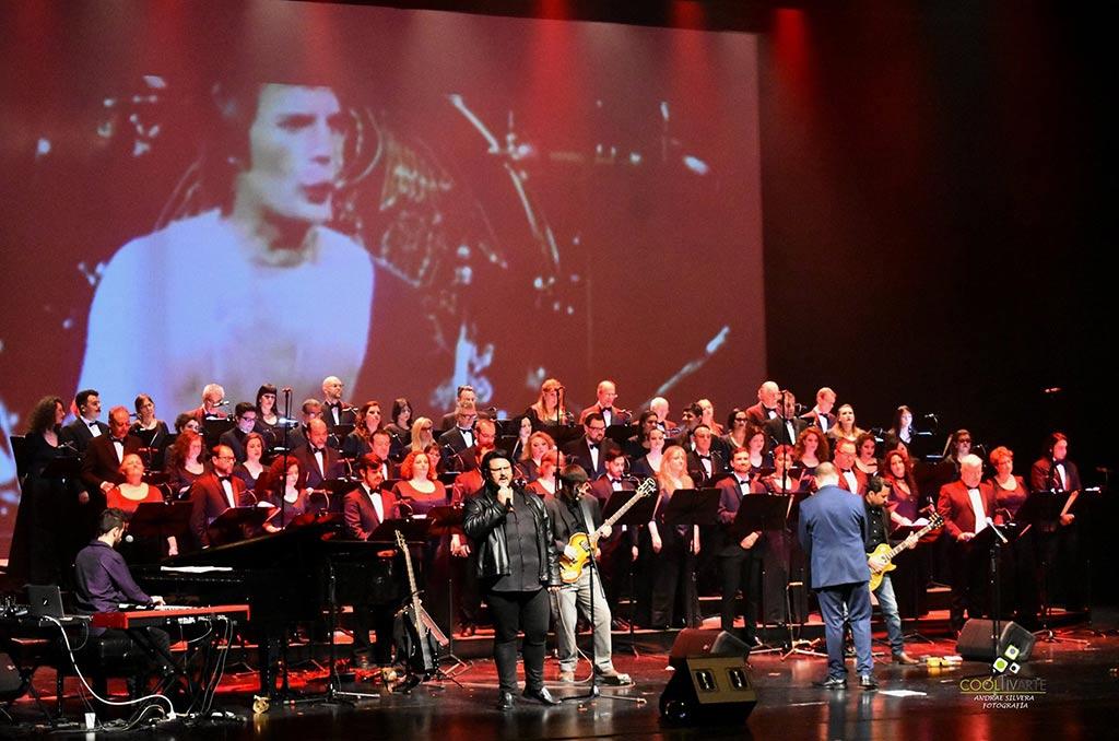 Coro Nacional Del Sodre 85 aniversario - Beatles y Queen Foto Andrea Silvera www.cooltivarte.com