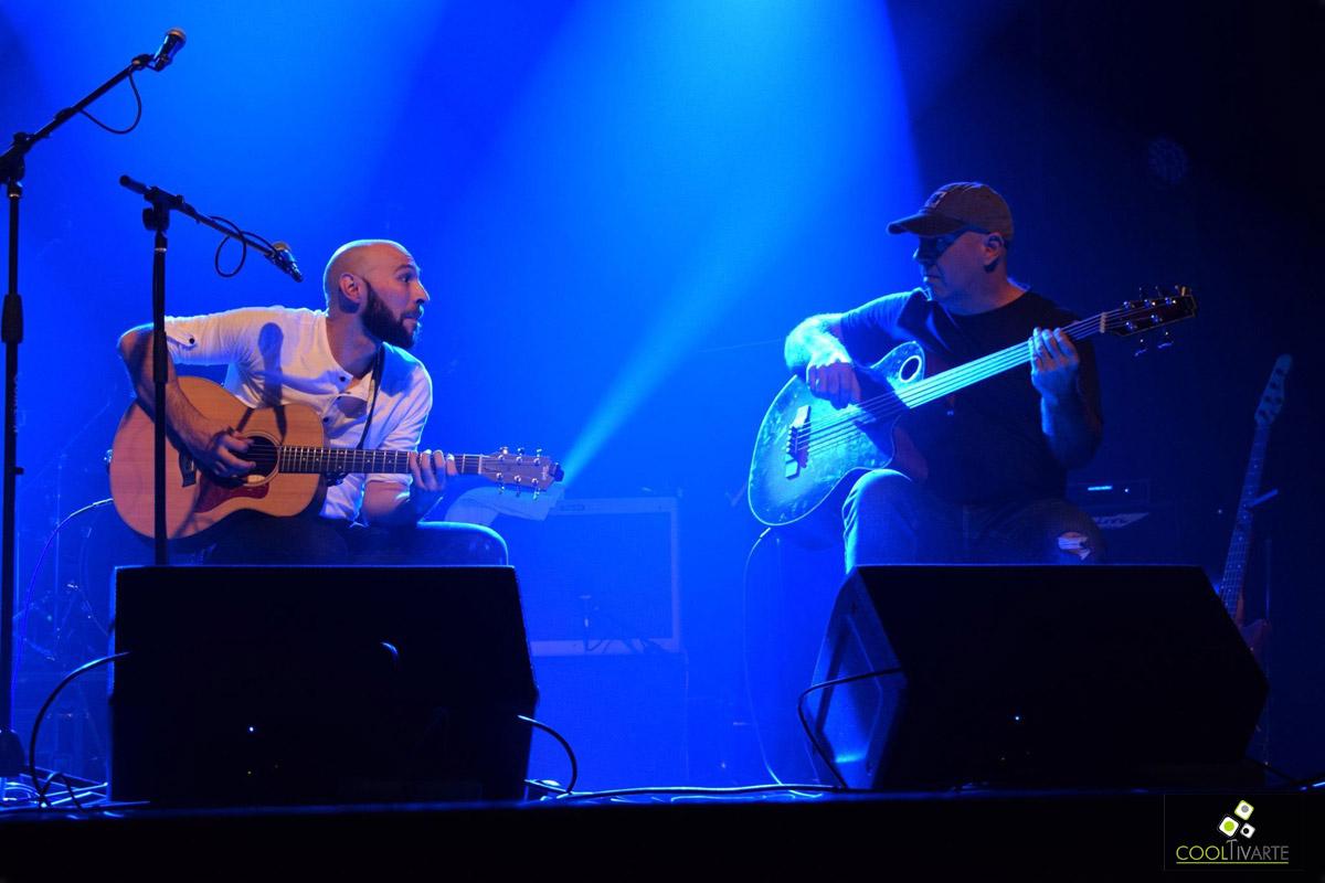 """La Sala Zitarrosa fue el lugar elegido por Santi Cutinella y los Convivientes para tocar las canciones de su disco """"No tan solo""""."""