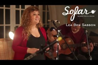 "Lea Ben Sasson performing ""Es un Tren"" at Sofar Montevideo on September 22, 2018"
