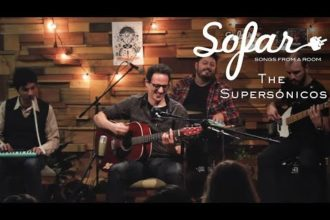 "The Supersónicos performing ""Relleno de Chocolate"" at Sofar Montevideo on May 19, 2018"