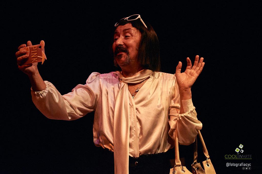NoDoyConElPersonaje - Unipersonal - 5 monólogos interpretados por Moré - Teatro Circular de Montevideo - Foto Chiazzaro Castro www.cooltivarte.com