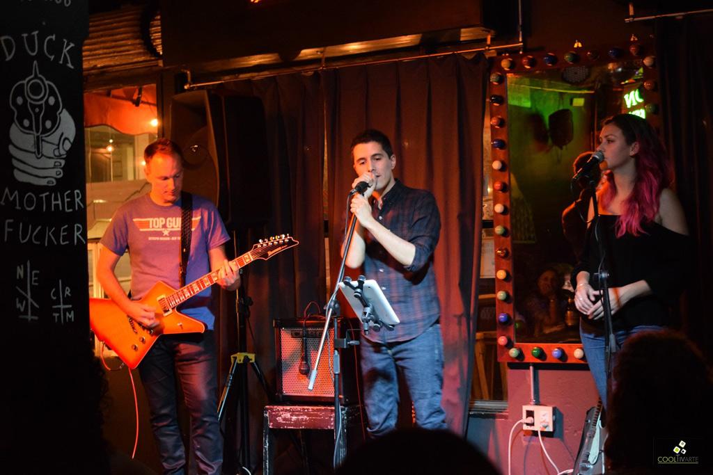 Martín Laco en Bluzz Bar 06-12-19 Fotos Claudia Rivero www.cooltivarte.com