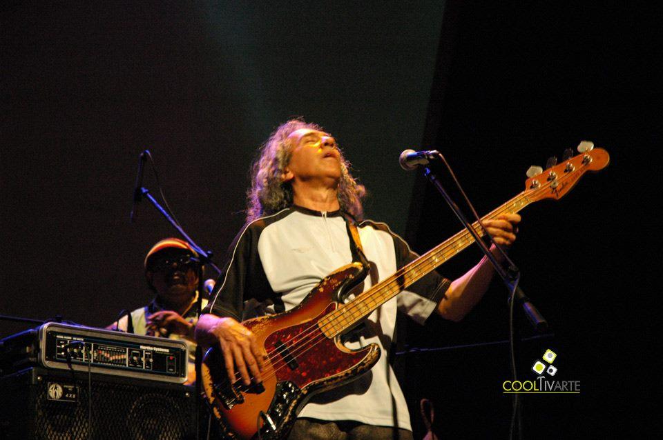 """imagen - URBANO MORAES presentó """"Vuela más alto"""" - Sala Zitarrosa - Noviembre 2010 © Federico Meneses"""
