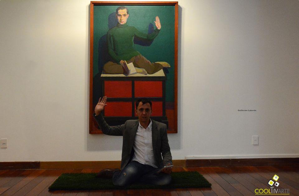 imagen - Yoga Mat un objeto para performance de Ernesto Rizzo - Museo Zorrilla - Octubre 2014 - Foto © Federico Meneses