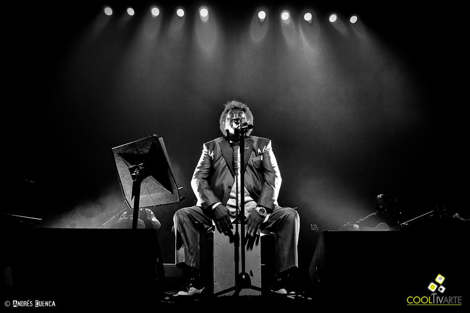 """imagen - Rubén Rada, presentando su disco """"Tango, milonga y candombe"""" anoche en el teatro El Galpón. Hoy presenta su última función. Foto: © Andrés Cuenca"""