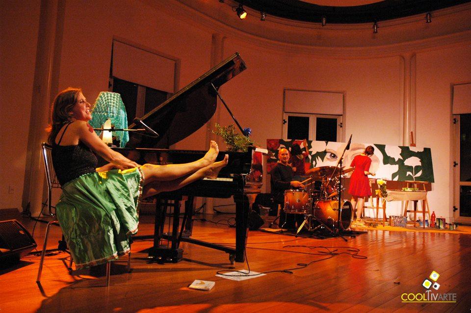"""imagen - """"QUEYI + 3"""" en Teatro Solís// 3 Fechas 4 Artistas Visuales// Artista María Noel Silvera - 5 de Junio 2015 Foto © Federico Meneses"""