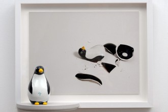 imagen - Reconstruction (Penguin) (2007) Framed archival digital print with wooden shelf and porcelain figurine Total size installed: 14 ¾ X 18 ½ X 5 ½ Part of the Reconstructions series - http://lilianaporter.com/