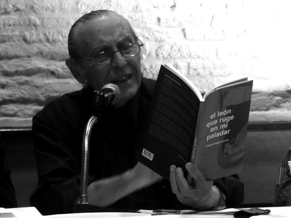 Miguel Ángel Olivera en Ronda de poetas 10 años en Colonia del Sacramento