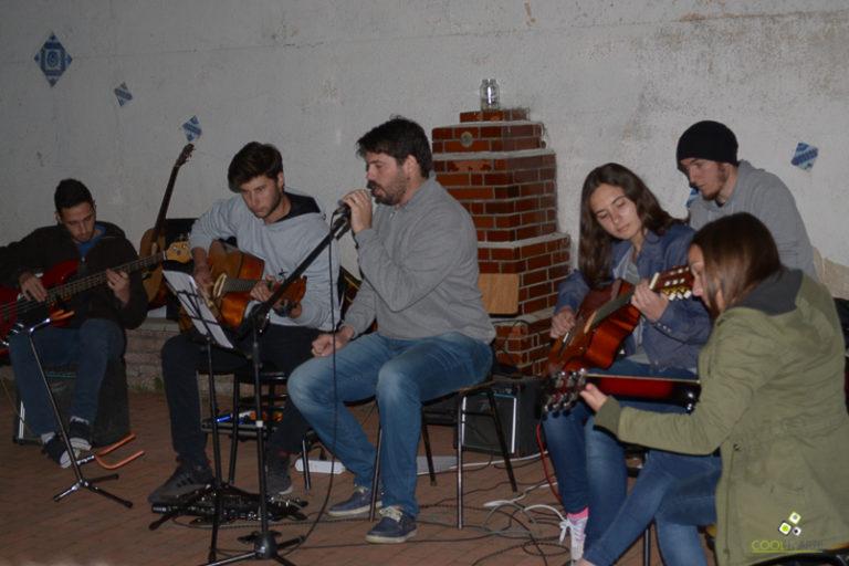 Ensayan-por-la-tarde-Casa-de-la-Cultura-Rodríguez-San-José-21-de-octubre-de-2017-Foto-Maru-Del-Valle
