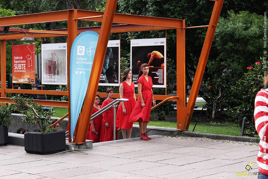 Diez de cada Diez es parte del ciclo Dislocaciones / ciclo de performance en la Plaza Fabini - Noviembre 2017 - Foto © Camila Caballero www.cooltivarte.com