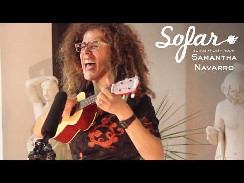 "Samantha Navarro performing ""Tren Fantasma"" at Sofar Montevideo"