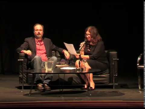 Juan Villoro es dramaturgo, novelista, cuentista, ensayista y periodista.