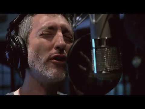 """Hoy es Historia"""" junto a Fernando Cabrera, canción incluida en su álbum """"Naïf"""". Dirección: Carlos Conti MAXI SUÁREZ"""