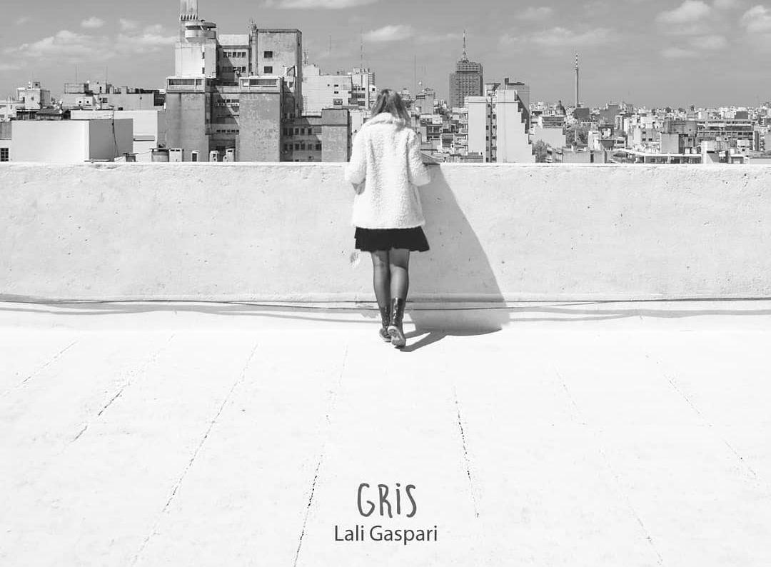 Grabado y mezclado por Fabrizio Rossi Giordano en estudio Yacaré, y masterizado por Álvaro Reyes en estudio DosReis, GRIS es el primer álbum solista de Lali Gaspari.