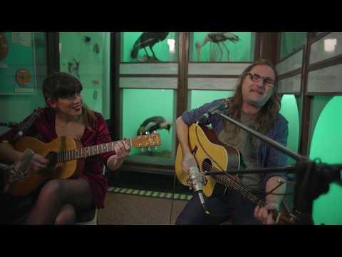 Letra y música: Papina De Palma Voz, guitarra y extravagancia rockera: Mandrake Wolf