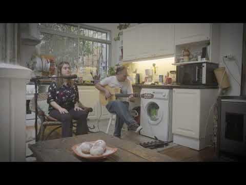 Versión en vivo de nuestro tema Sin filtros. Montevideo, Uruguay - Abril 2019. Adrián Soiza & Lucía Blánquez