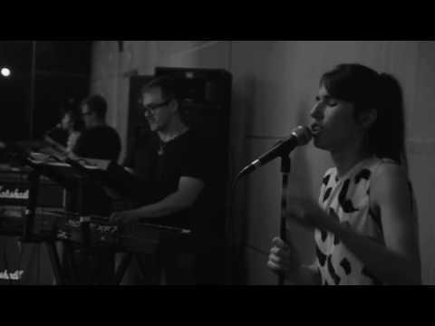 """""""Me voy"""" de Paula Go es un tema perteneciente a su disco """"Pasos de elefante"""""""