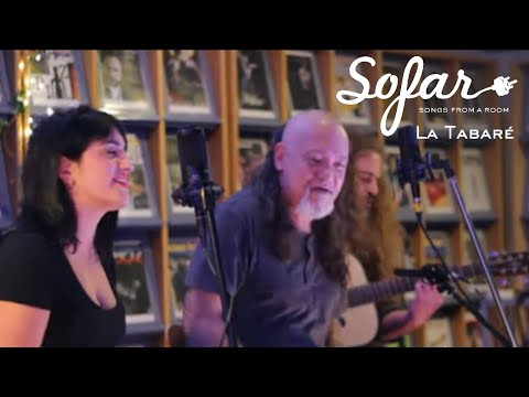 "La Tabaré performing ""Boogie de los Idiotas"" at Sofar Montevideo on September 20, 2017"