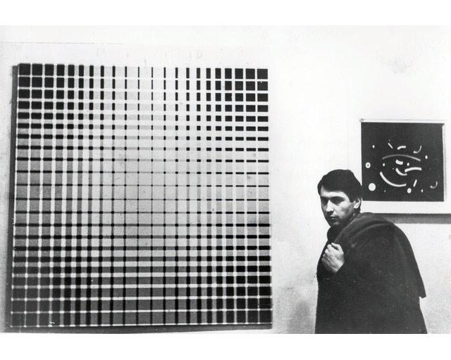 Julio-Le-Parc-Pari´s-1960-exposicio´n-Antagonisme-Palais-du-Louvre.-Cortesi´a-Atelier-Le-Parc