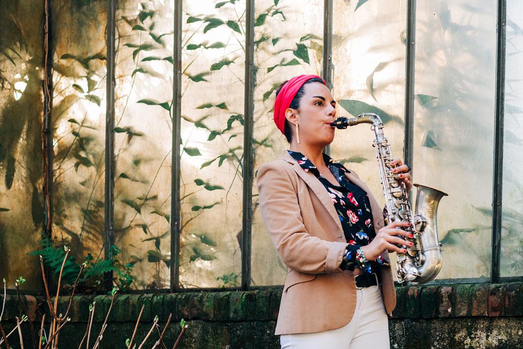 Entrevista: Patricia López y su CD Wanderlust La saxofonista Patricia López estará lanzando próximamente su disco Wanderlust. Compartimos el intercambio que mantuvimos con ella para conocerla un poco más.