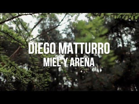 """MIEL Y ARENA, canción incluida en su álbum """"AMIGO IMAGINARIO"""""""