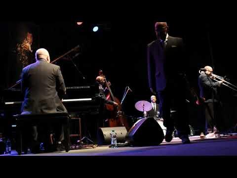 Nat Reeves Band 24° Festival Internacional de Jazz de Punta del Este Finca El Sosiego - 4 de Enero de 2020 Nat Reeves - Contrabajo Eric Mc Pherson - Batería Rick Germanson - Piano Steve Davis - Trombón Eddie Henderson - Trompeta