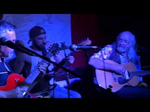 Flaco Barral - guitarra y voz Pablo Traberzo – guitarra Santiago Cutinella – guitarra Luis Gutierrez – batería Artista invitado – Tabaré Rivero – voz Letra tema - Dame tu sonrisa, loco