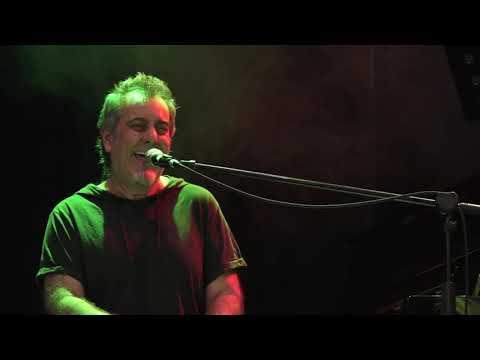 Hojas de Mayo - música Gabriel Eastrada, letra Pippo Spera