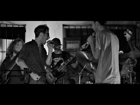 Pepe Delay + Dos Daltons - La hermosa langosta aplastada en la vereda (Buenos Muchachos)