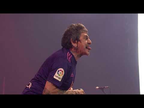"""""""Salve"""" suena en directo como nunca. Este vídeo está grabado en la última gira de la banda """"Ni descanso, ni paz!"""" de 2019."""